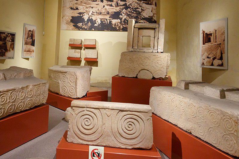valletta arkeoloji muzesi tapinak suslemeleri