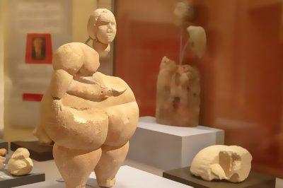 valletta arkeoloji muzesi venus figuru 400x266