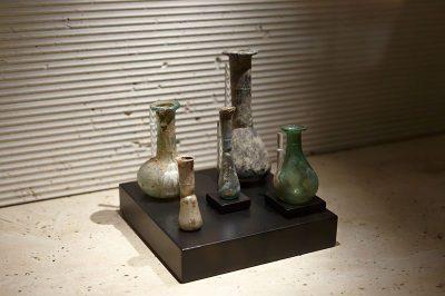 ankara erimtan arkeoloji muzesi cam eserler 400x266