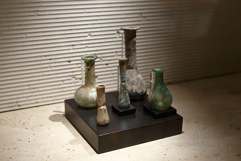 ankara erimtan arkeoloji muzesi cam eserler