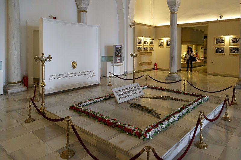 ankara etnografya muzesi ataturk sembolik kabri