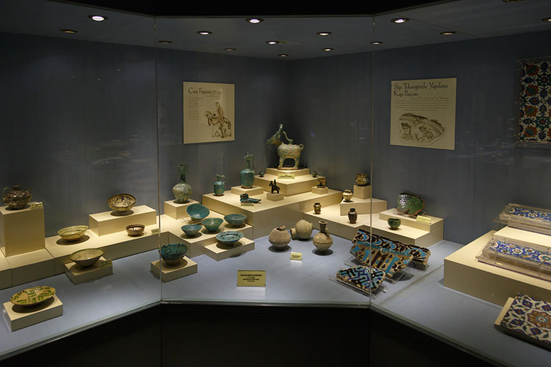 ankara etnografya muzesi cam seramik