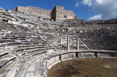 aydin miletos antik kenti tiyatrosu 400x266