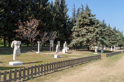 claros kehanet merkezi heykeller 400x266