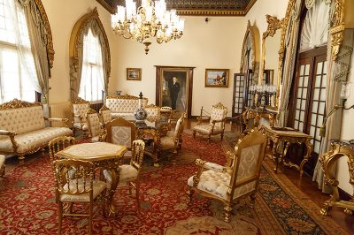 cumhuriyet muzesi salon 400x266