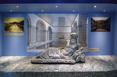 milet muzesi heykeli 400x266