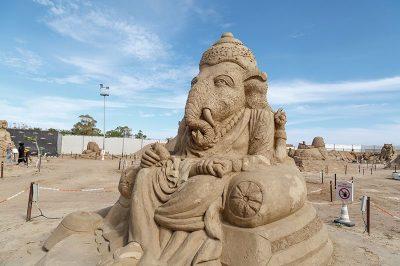 antalya lara plaji kum heykel festivali hint mitolojisi 400x266