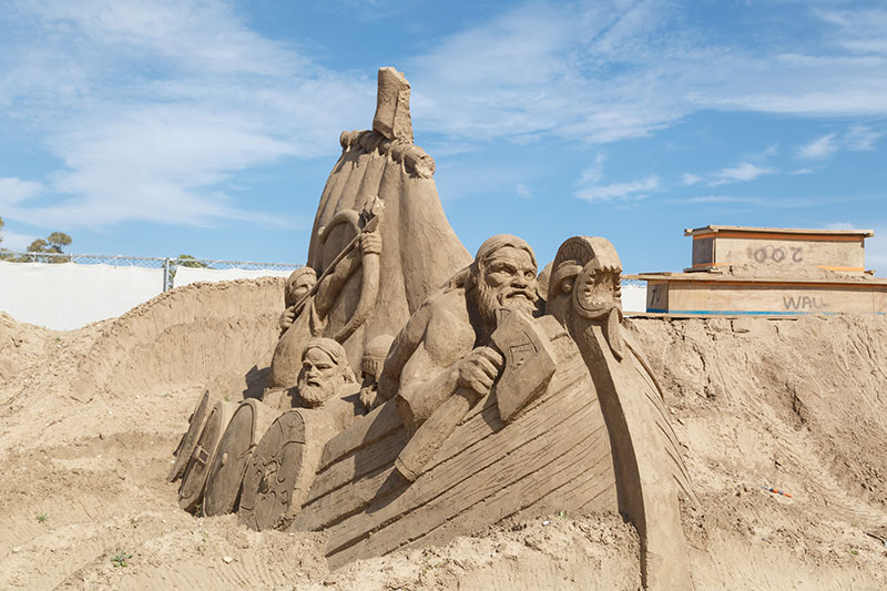 antalya lara plaji kum heykel festivali mitolojik