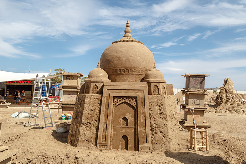 antalya lara plaji kum heykel festivali tac mahal