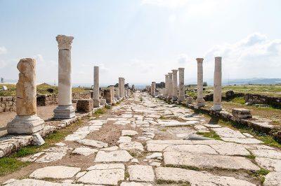 denizli laodikeia antik kenti sutunlu cadde 400x266
