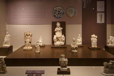 eskisehir arkeoloji muzesi heykel figurleri 400x266