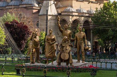 eskisehir resadiye camii heykelleri 400x266