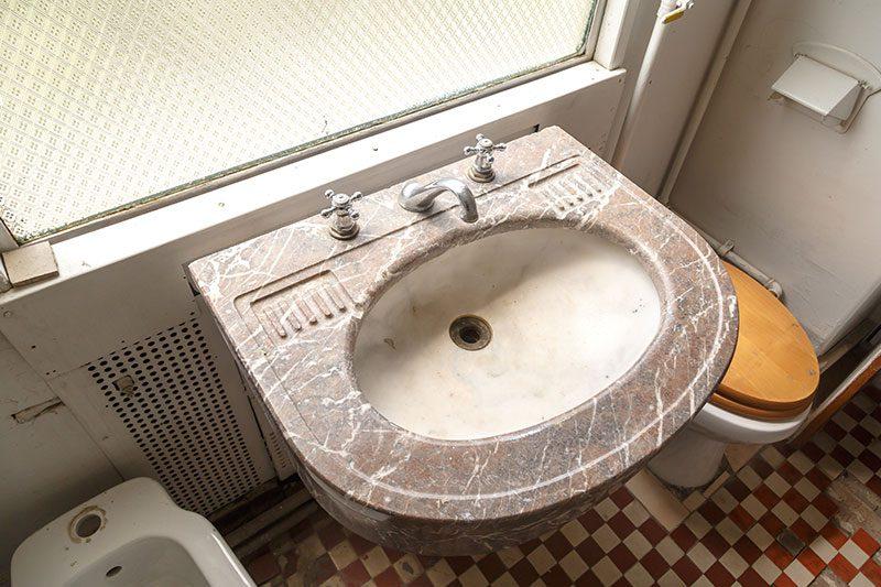 izmir camlik lokomotif muzesi ataturk vagonu banyosu