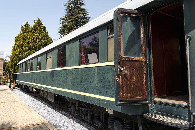 izmir camlik lokomotif muzesi ataturk vagonu