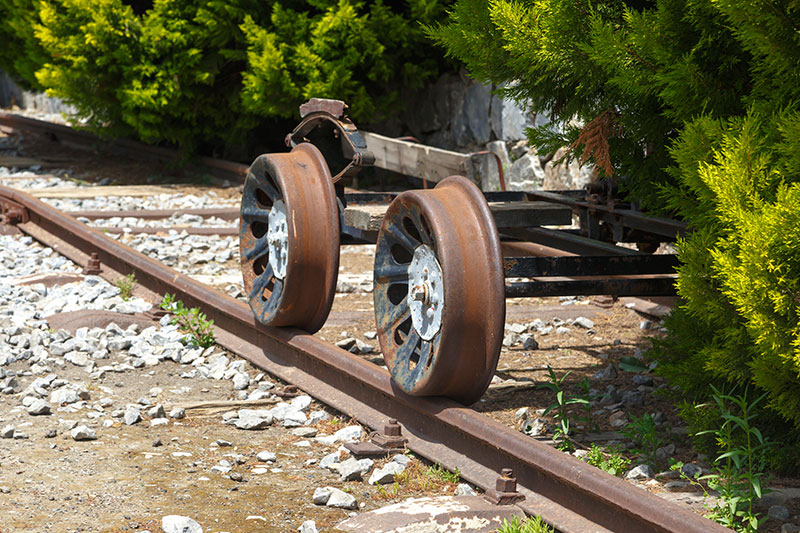 izmir camlik lokomotif muzesi tekerlekler