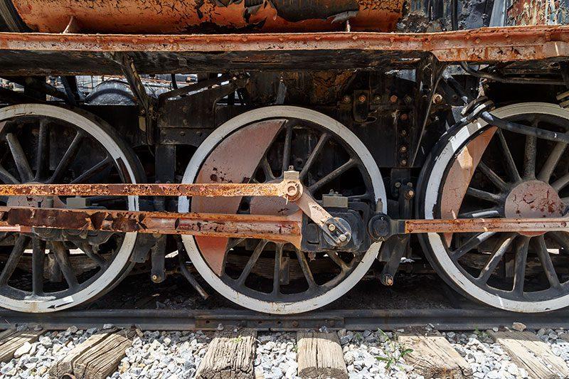 izmir camlik lokomotif muzesi tren raylari
