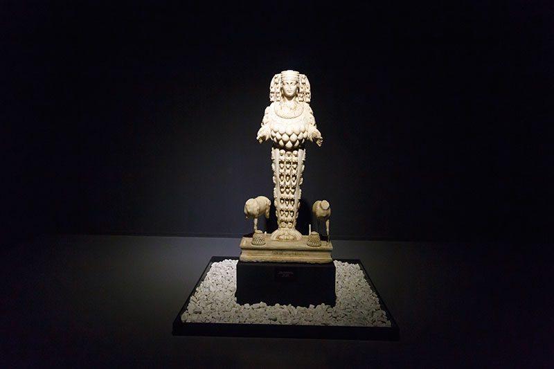 izmir efes muzesi artemis ana tanrica heykeli