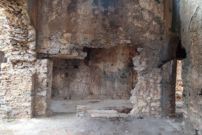 mersin anamur anemurium antik kenti kilise vandallar