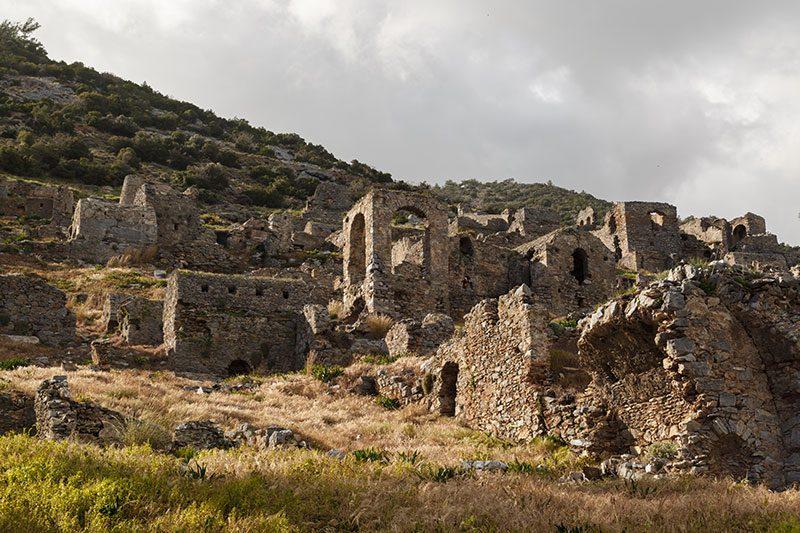 mersin anamur anemurium antik kenti nekropol