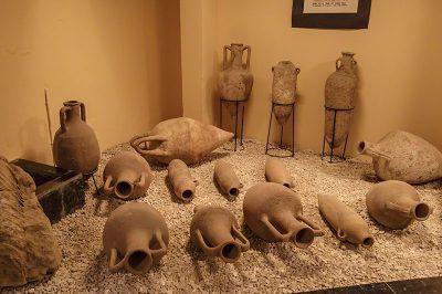 mersin silifke arkeoloji muzesi amforalar 400x266