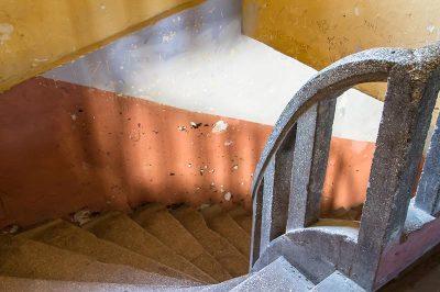 sinop cezaevi merdivenleri 400x266