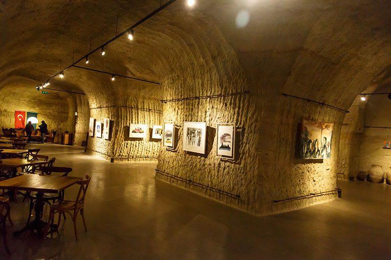 avanos guray muze sergi salonu eserleri