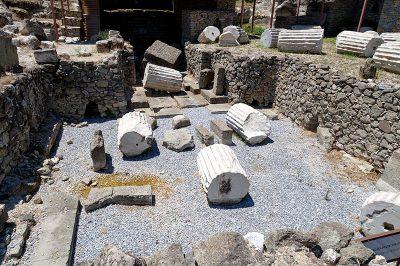 bodrum halikarnas mozolesi mezar odasi 400x266