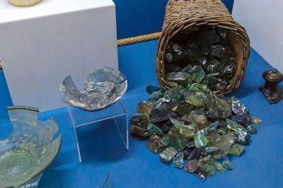 bodrum sualti arkeoloji muzesi cam batigi kazisi eserleri 400x266