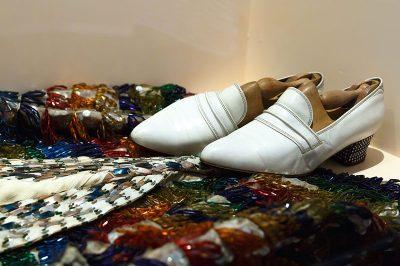 bodrum zeki muren sanat muzesi ayakkabilari 400x266
