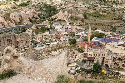 kapadokya nevsehir uchisar kalesi gezilecek yerler 400x266