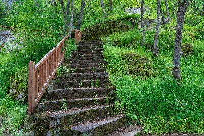 sinop ayancik inalti magarasi merdivenleri 400x266