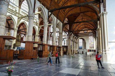 amsterdam qude kerk gezilecek yerler 400x266