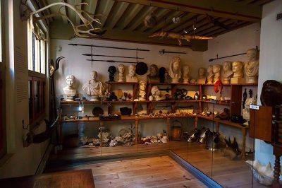 amsterdam rembrandt evi muzesi sattigi esyalari 400x266