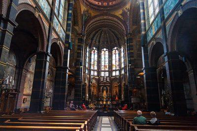 amsterdam st nicholas kilisesi gezisi 400x266