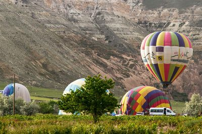 kapadokya balon turu hazirlik asamalari 400x266