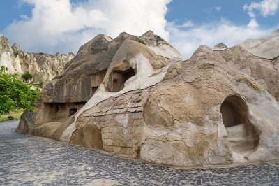 kapadokya goreme aziz basli kilisesi gezilecek yerler 400x266