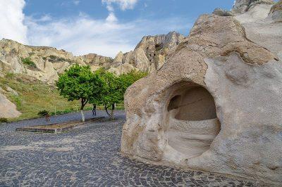 kapadokya goreme aziz basli kilisesi gezisi 400x266