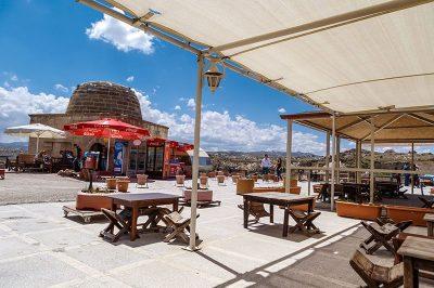 kapadokya urgup temenni tepesi kafe restoran 400x266