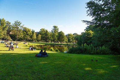 amsterdam vondelpark gezilecek yerler 400x266