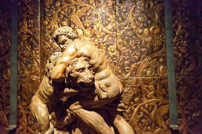 rubenshuis evi muzesi herkul aslan heykeli 400x266