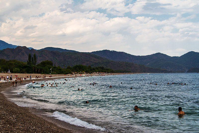 olimpos plaji denize giris