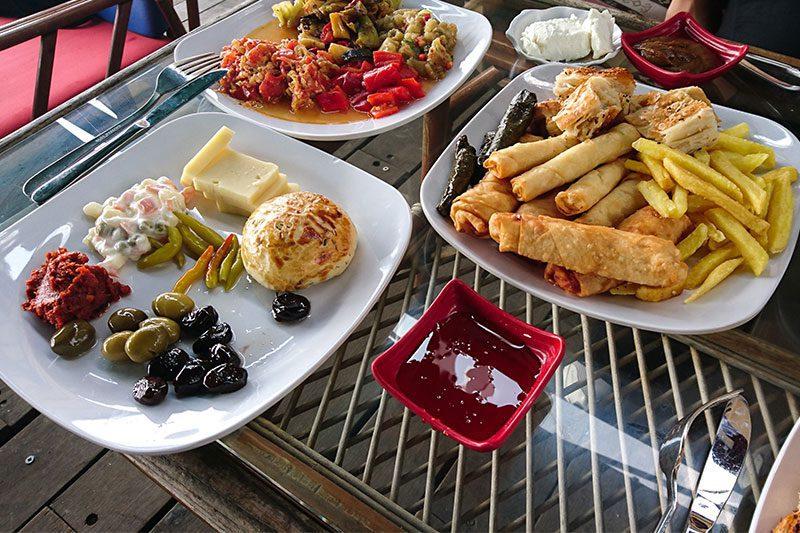 istanbula yakin kahvalti mekanlari marina cafe