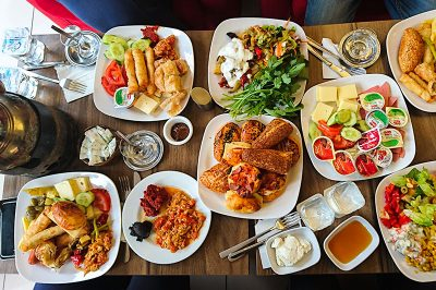 izmit sekapark marina cafe acik bufe kahvalti restoran 400x266