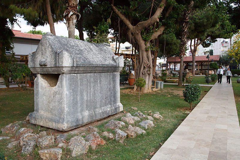 antalya alanya arkeoloji muzesi bahcesi