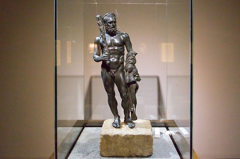 antalya alanya arkeoloji muzesi herakles heykeli