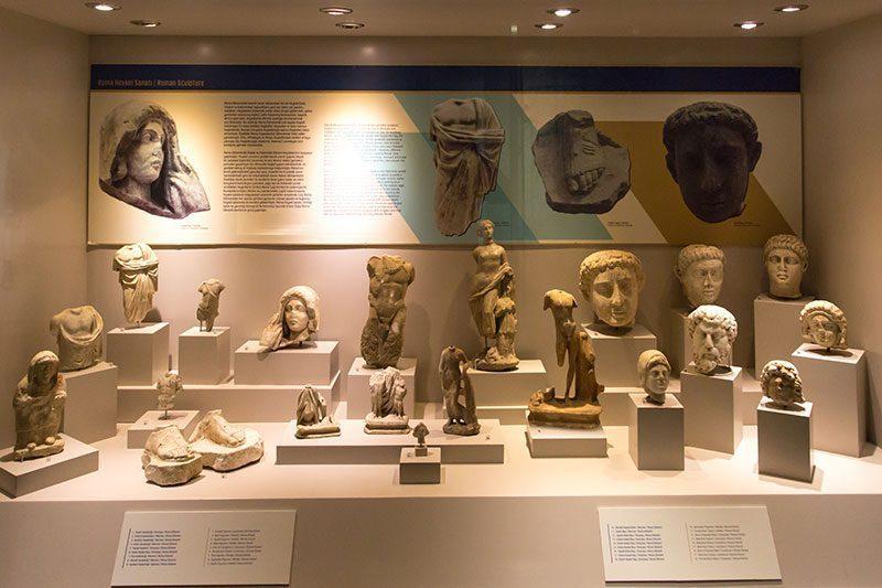 antalya alanya arkeoloji muzesi heykeller