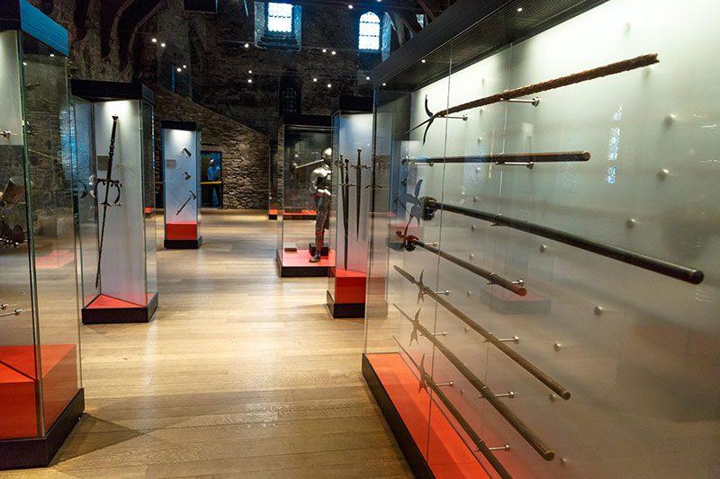 gent gravensteen silah muzesi yaylar oklar kiliclar