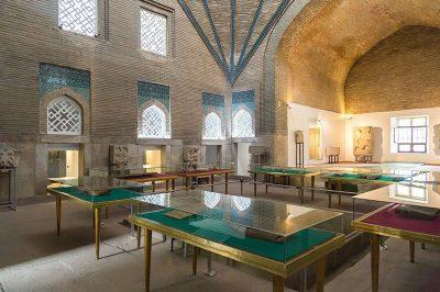 ince minare medresesi muzesi avlusu 400x266