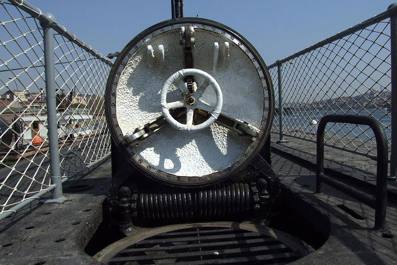 rahmi koc muzesi denizalti kapisi