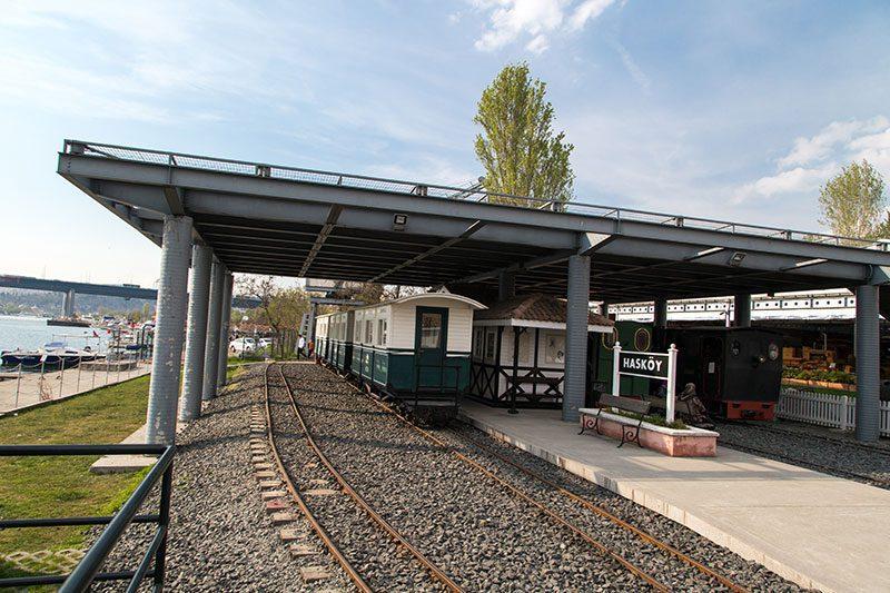 rahmi koc muzesi haskoy tren istasyonu
